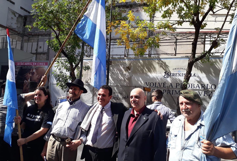 ¡Patria, Bandera y Sentir Nacional!