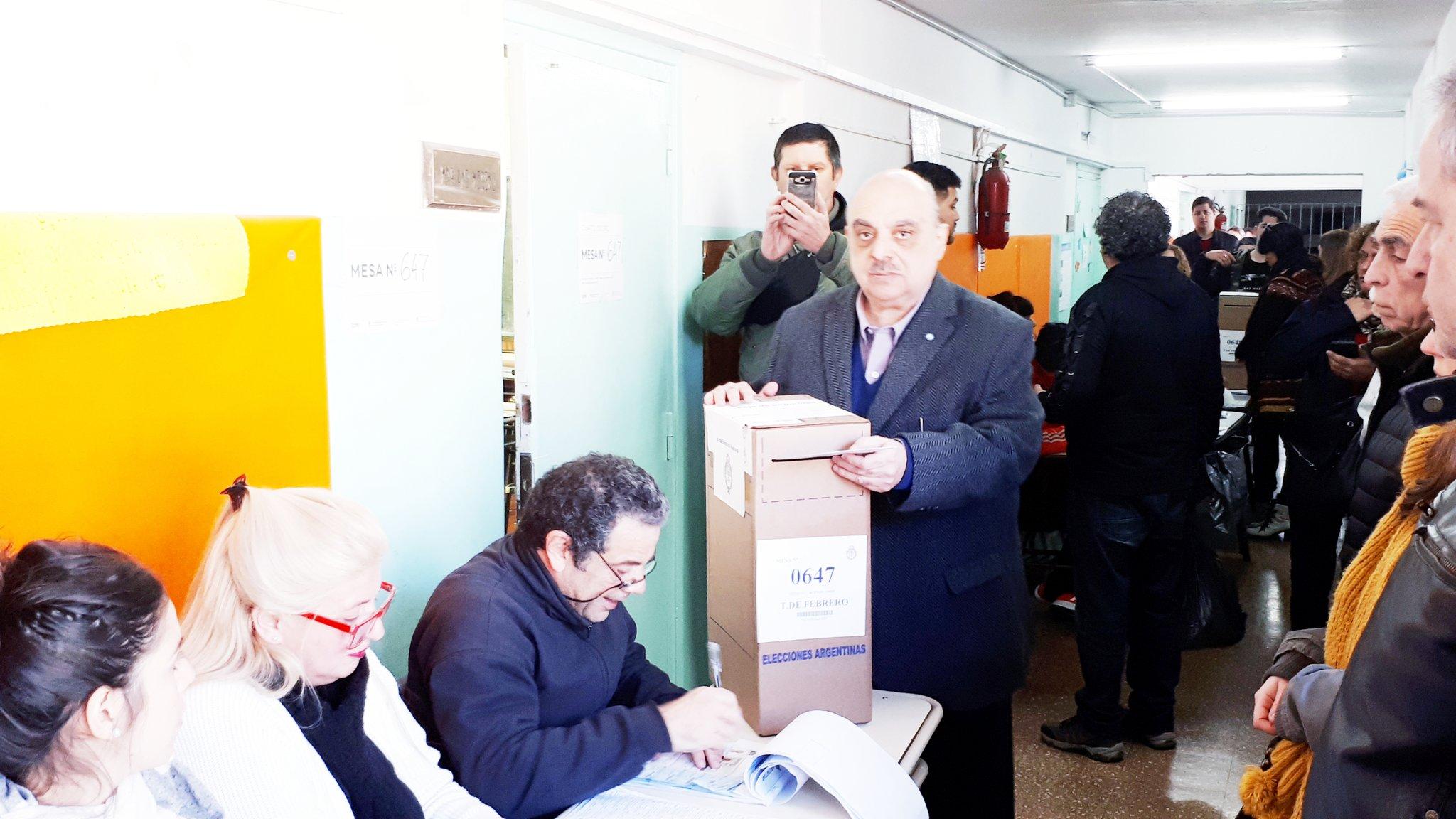 11A: Biondini votó esta mañana en Ciudad Jardín